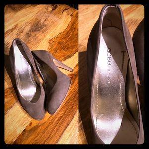 BCBG suede heels size 6